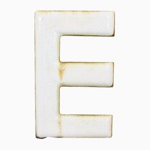 Lettre E Industrielle Vintage en Émail