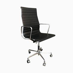 Sedia da scrivania EA119 in pelle di Charles & Ray Eames per Vitra, anni '90