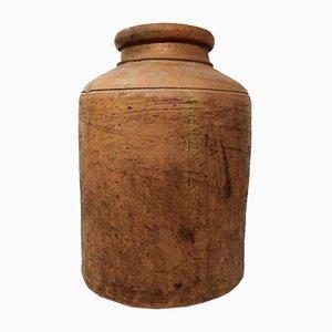 Antiker Behälter aus Terrakotta