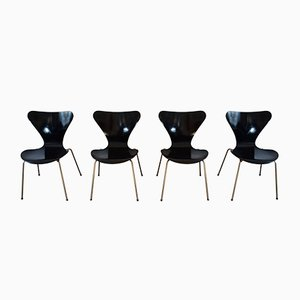 Series 7 Dining Chairs by Arne Jacobsen for Fritz Hansen, 1960s, Set of 4