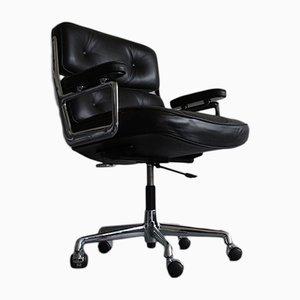 Sedia da scrivania ES 104 in metallo cromato e pelle di Charles & Ray Eames per Vitra, anni '80