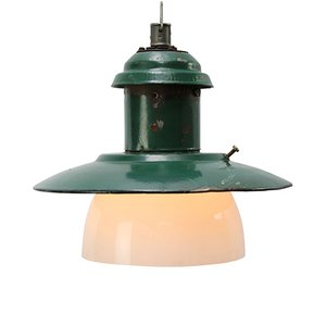 Lampe à Suspension Industrielle Vintage en email Vert et Verre Opalin, 1950s