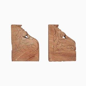 Gemeißelte Buchstützen aus rotem Stein, 2er Set