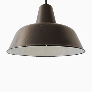 Industrielle Schwarze Emaille Deckenlampe, 1950er