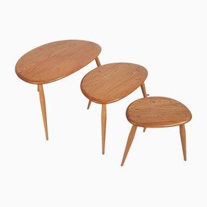 Tavolini ad incastro Mid-Century in faggio di Lucian Ercolani per Ercol, set di 3