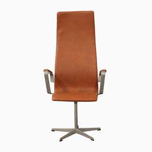 Silla giratoria Oxford vintage de cuero coñac de Arne Jacobsen para Fritz Hansen