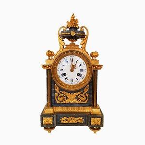Reloj de péndulo de mármol Louis XII antiguo de bronce bañado en oro