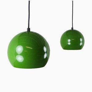 Lampes à Suspension Globe en Métal Vert, 1970s, Set de 2