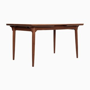 Mid-Century Danish Teak Extendable Dining Table from Omann Jun, 1960s