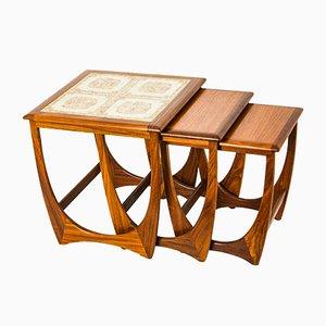 Tavolini ad incastro in ceramica e teak di Ib Kofod Larsen per G-Plan, anni '60