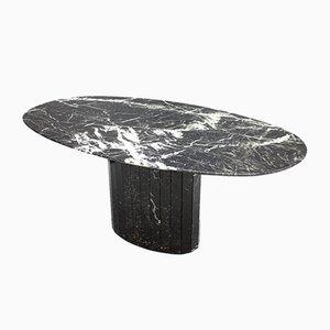 Mesa de comedor italiana de mármol negro oval, años 70