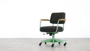 Chaise de Bureau Pivotante par Jean Prouvé pour Vitra, 2007