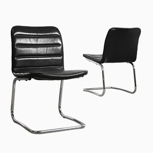 Club chair minimaliste in metallo cromato e pelle nera di Pol International, anni '60, set di 2