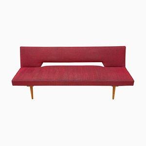 Sofá cama Mid-Century en rojo de Miroslav Navratil para Cesky Nabytek, años 60