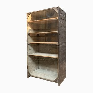 Mueble industrial de madera y metal, años 30