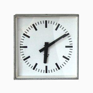 Reloj de pared checo industrial vintage de Pragotron, años 70