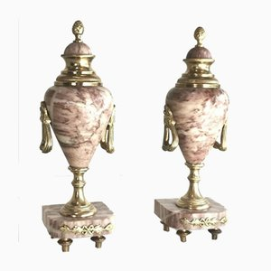 Antike Urnen aus Marmor mit Ormolu-Vergoldung, 2er Set