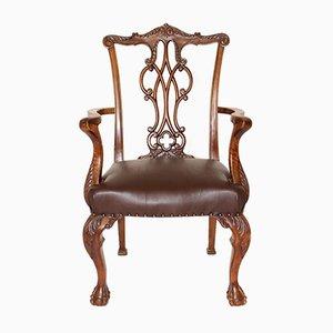 Chippendale Armlehnstuhl aus Nussholz, 1920er