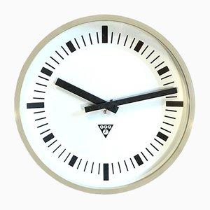 Horloge Murale Industrielle Vintage en Bakélite Beige de Pragotron, années 70