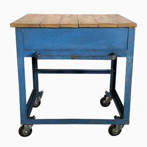 Mesa de trabajo industrial vintage azul con ruedas, años 50