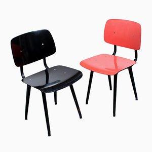 Sedie da pranzo Revolt Mid-Century nere e color corallo di Friso Kramer per Ahrend De Cirkel, set di 2