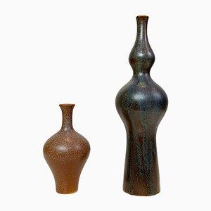 Jarrones de gres en miniatura de Annikki Hovisaari para Arabia, años 60. Juego de 2