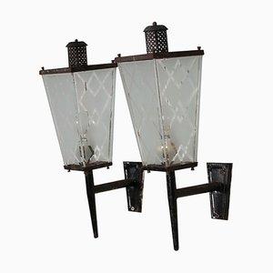 Apliques de vidrio esmerilado y hierro, años 50. Juego de 2