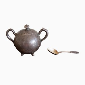 Antike Zuckerdose mit Löffel