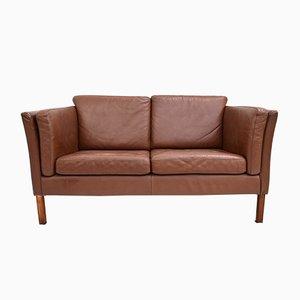 Sofá de dos plazas danés de cuero marrón, años 60