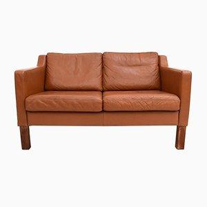 Sofá de dos plazas danés Mid-Century de cuero marrón curtido, años 60