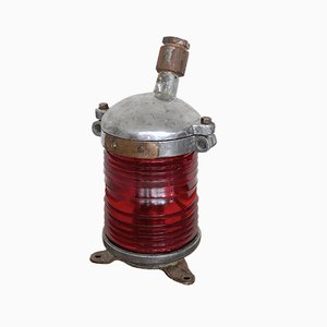 Lámpara de mesa antigua de vidrio rojo