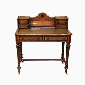 Antiker viktorianischer Schreibtisch aus Nusswurzelholz