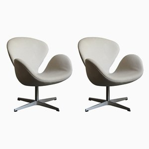 Swan Chairs by Arne Jacobsen for Fritz Hansen, 2002, Set of 2