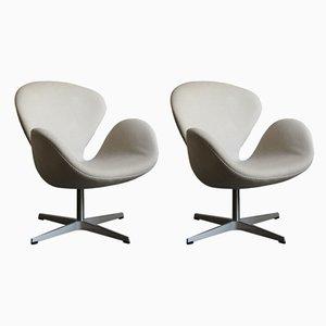 Swan Stühle von Arne Jacobsen für Fritz Hansen, 2002, 2er Set