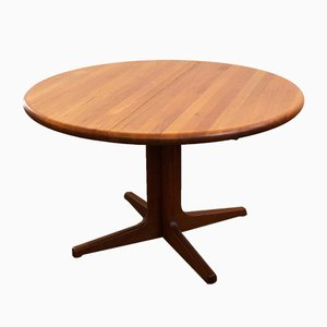 Danish Mid-.Century Modern Round Teak Dining Table from Glostrup, 1960s