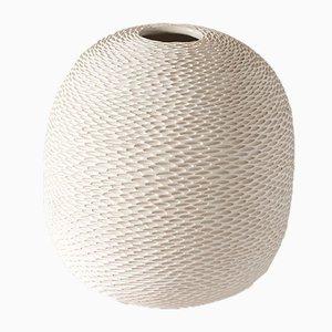 Weiße eiförmige Pineal Vase von Atelier KAS