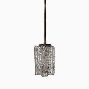 Lámpara colgante de vidrio y metal cromado de JT Kalmar, años 60