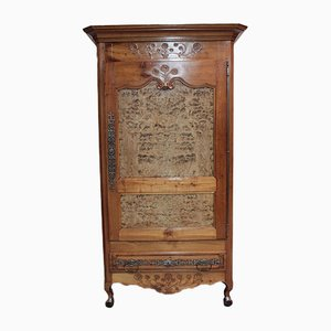 Antiker Louis XV Kleiderschrank aus Kirschholz