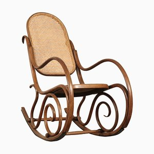 Mecedora antigua de Thonet