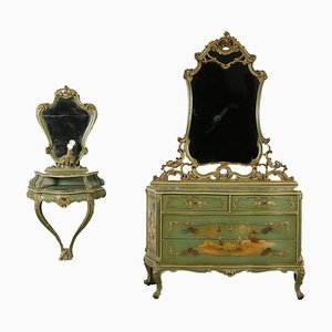 Conjunto de cajonera antigua y consola de espejo