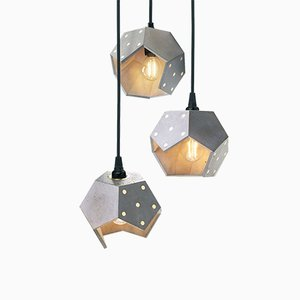Lampada Twelve Trio in cemento di Plato Design