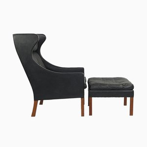 Mid-Century 2204 Wingback Chair and 2202 Ottoman by Børge Mogensen for Fredericia