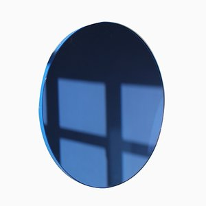 Grand Miroir Rond Teinté Bleu avec Cadre Bleu par Alguacil & Perkoff Ltd