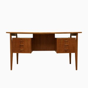 Dänischer Schreibtisch aus Teak, 1960er