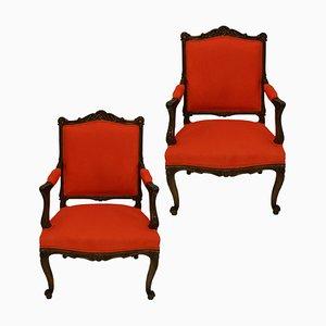 Antike französische Louis XV Armlehnstühle aus Nussholz, 2er Set