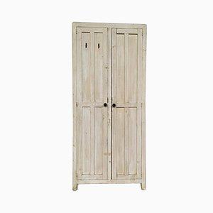 Antiker Garderobenschrank aus Holz