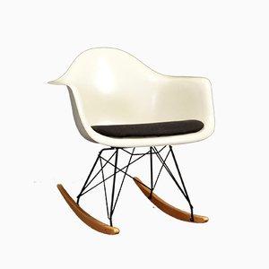 Sedia a dondolo di Charles & Ray Eames per Herman Miller, anni '50