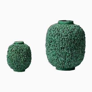 Grüne schwedische Vasen aus Schamotte in Igel-Optik von Gunnar Nylund für Rörstrand, 1940er, 2er Set