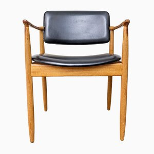 Dänischer Mid-Century Armlehnstuhl mit Gestell aus Teak von Farsö