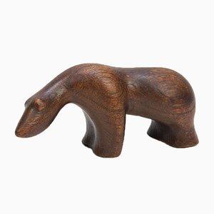 Escultura escandinava de teca en forma de oso polar, años 60